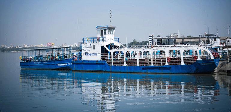 Explore-Hussain-Sagar-Lake-in-Hyderabad-through-Deccan-Odyssey-train-online-guider