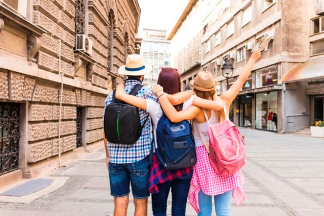 4 Tips For Travelling in a Group